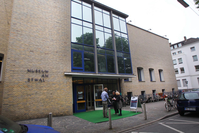 "Ausstellungseröffnung ""Das Beste zum Schluss"" (Altes Museum am Ostwall) / Ostwallmuseum [Foto: Dieter Menne Datum: 09.06.2013]"