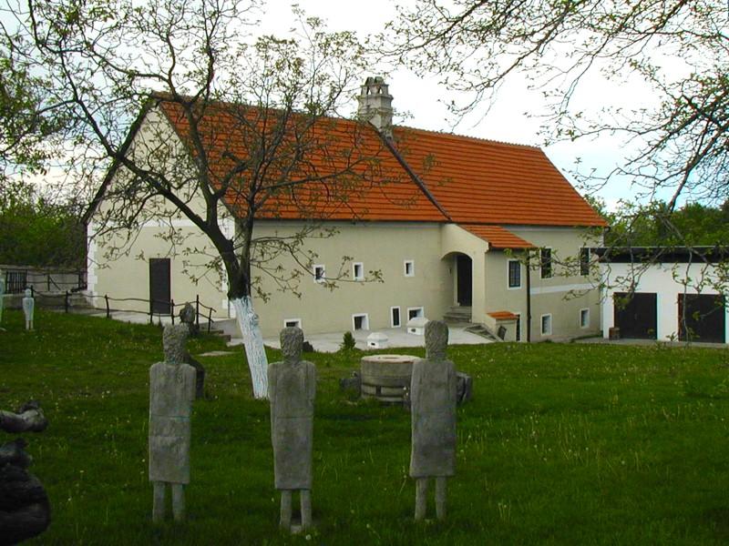 pezinok-cajla-galeria-insitneho-umenia-gallery-of-in-situ-art4